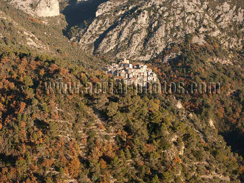 AERIAL VIEW photo of an hilltop town, Peillon, French Riviera, France. VUE AERIENNE village médiéval perché, Côte d'Azur.