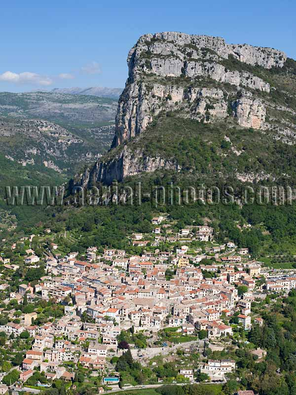 AERIAL VIEW photo of hilltop town, Saint-Jeannet, French Riviera, France. VUE AERIENNE village médiéval perché, Côte d'Azur.