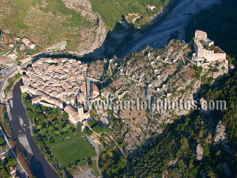 AERIAL VIEW photo of a citadel, Entrevaux, French Alps, France. VUE AERIENNE citadelle, Alpes françaises, France.